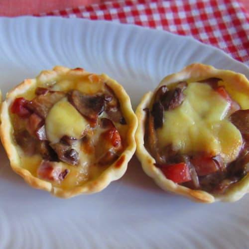 Tartu of mushroom bristose pasta