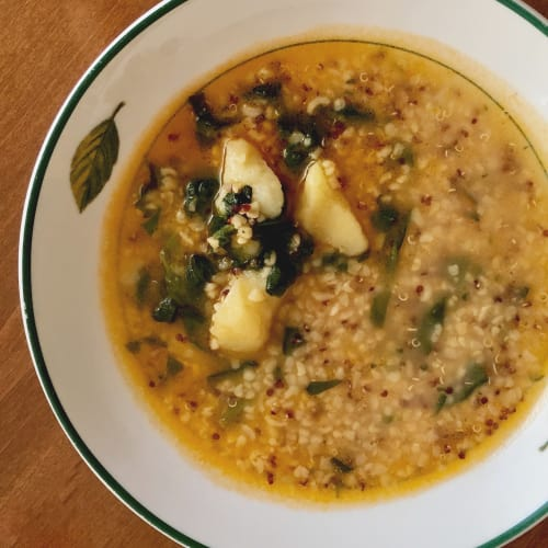 Quinua y bulgur con espinacas y patatas