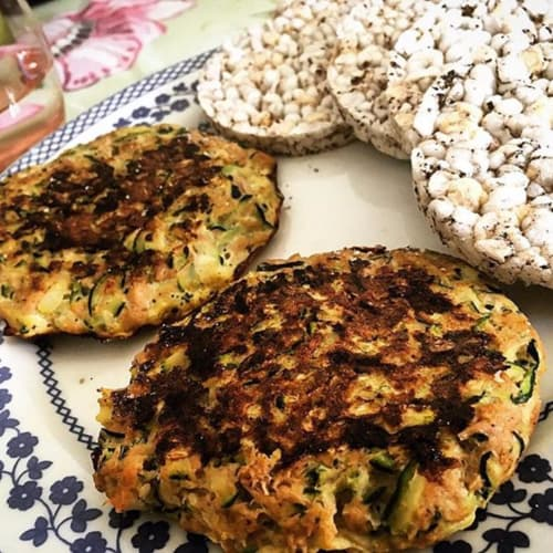 Courgette and tuna burgers