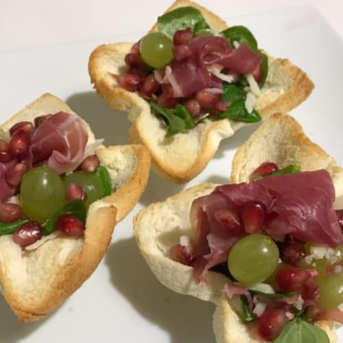 Modena Dop Prosciutto Salad with grapes and pomegranate