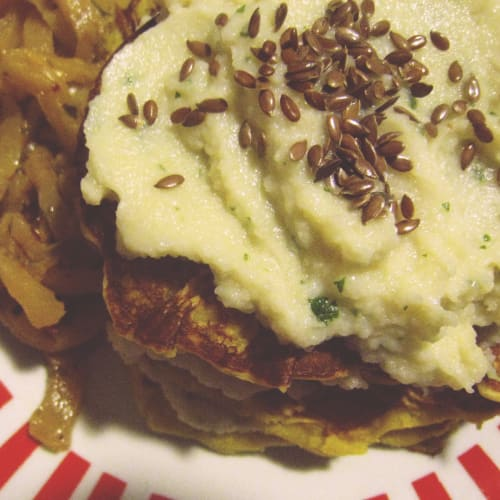 pancakes di ceci con crema di cavolfiore