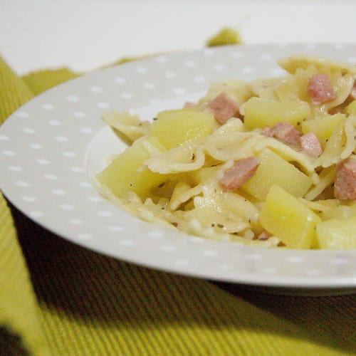Pasta patatas y jamón