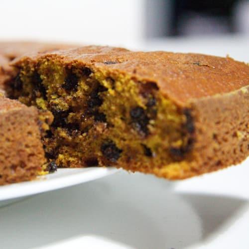 Pastel de calabaza con virutas de chocolate y