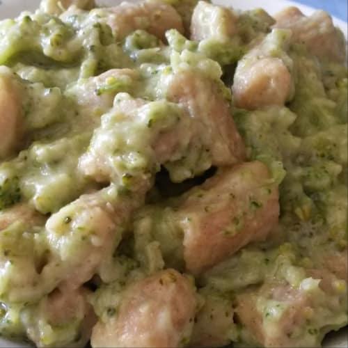 Gnocchi farina di segale e mais con crema di broccoli