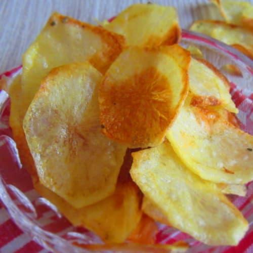 Chips, patatas cocidas al horno (crujiente y leer)