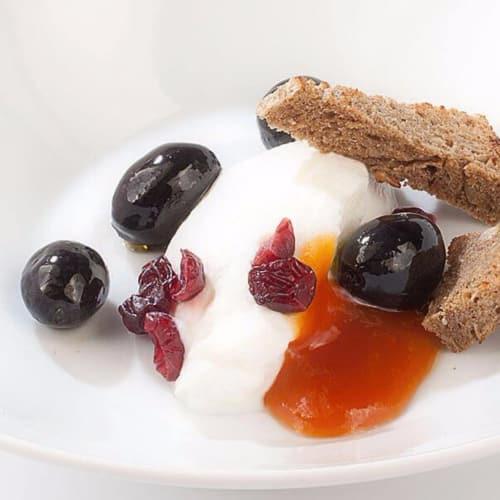 Dolce di ricotta con olive Nocellara del Belice