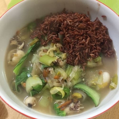 sopa de verduras con sepia
