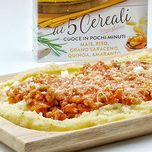 Polenta with 5 cereals with delicate sauce and Parmesan cheese