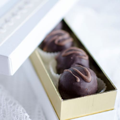 Truffles with walnuts and amaretto