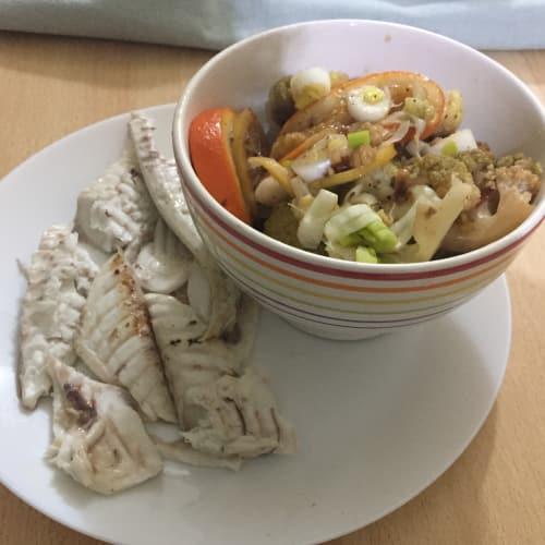 el besugo al horno con ensalada de cítricos tibia