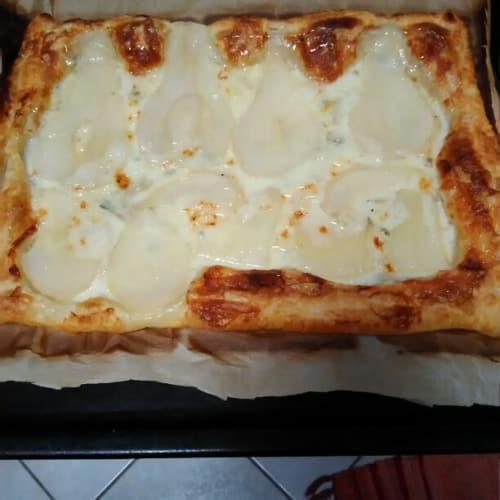 hojaldre de pera pastelería gorgonzola y miel