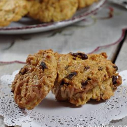 Biscuits without added sugar
