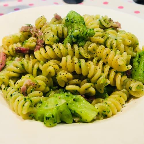 Fusilli broccoli e speck