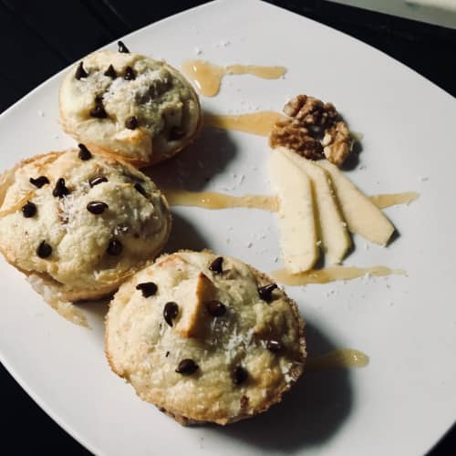Muffins alle mele e noci con cioccolato, farina di riso e cocco
