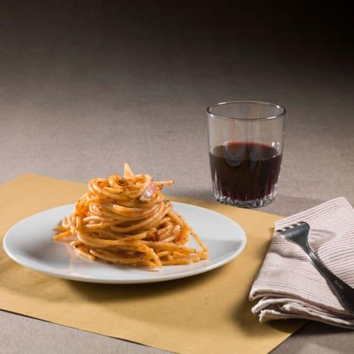 Espagueti de trigo duro con salsa de tocino