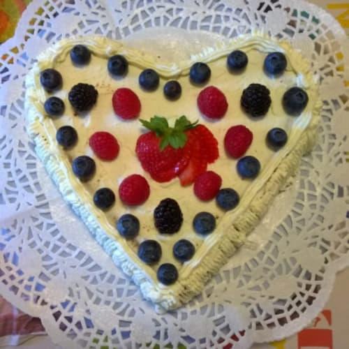 Pastel de chocolate y corazón