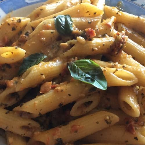 Penne with dried tomatoes and almonds