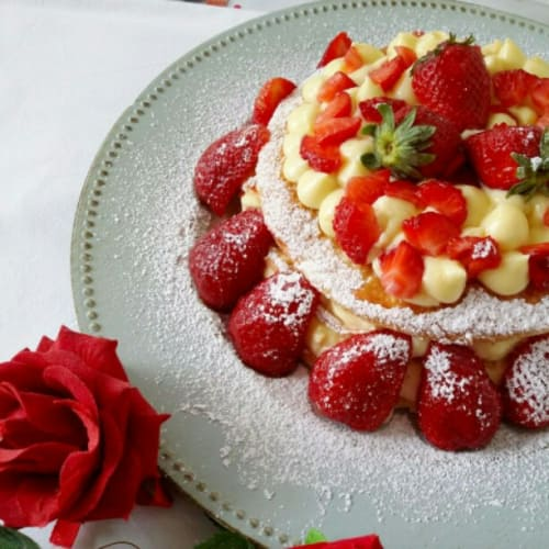 Millefeuille cream and strawberries