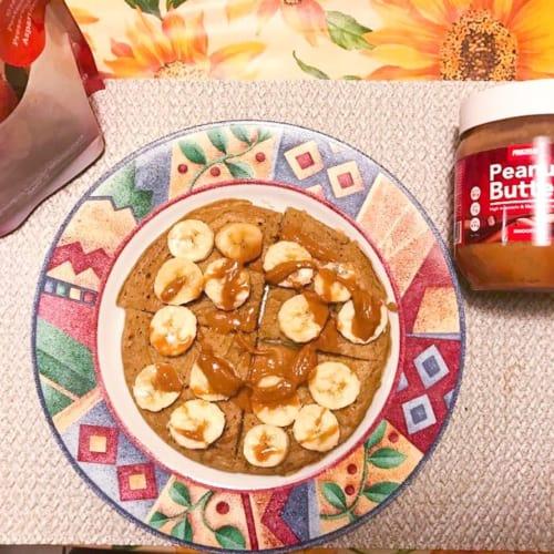 Panqueques de plátano y mantequilla de maní