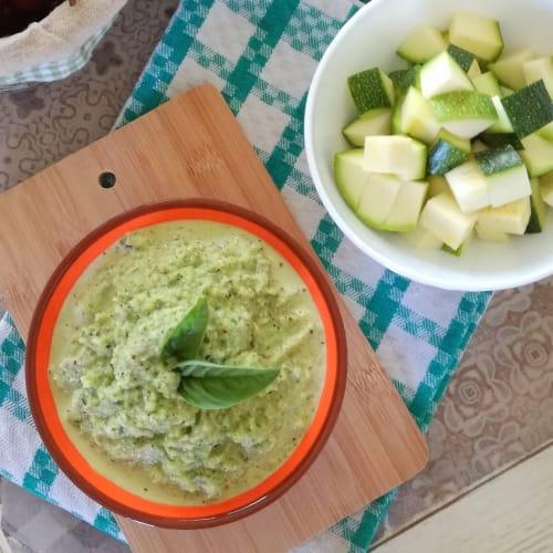 Pesto crudo con calabacín y avellanas