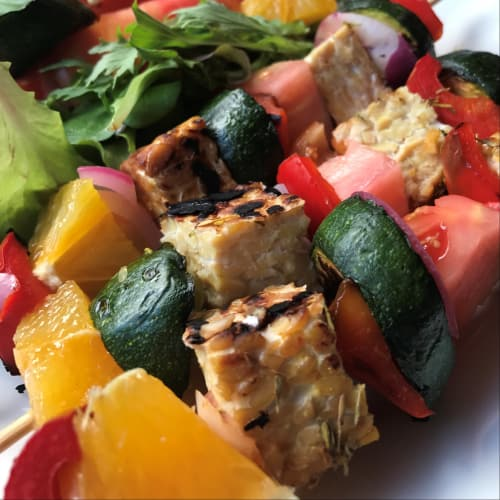 Pinchos de proteína vegana