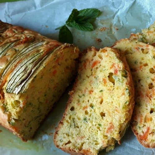Plumcake salado con calabacín y zanahorias