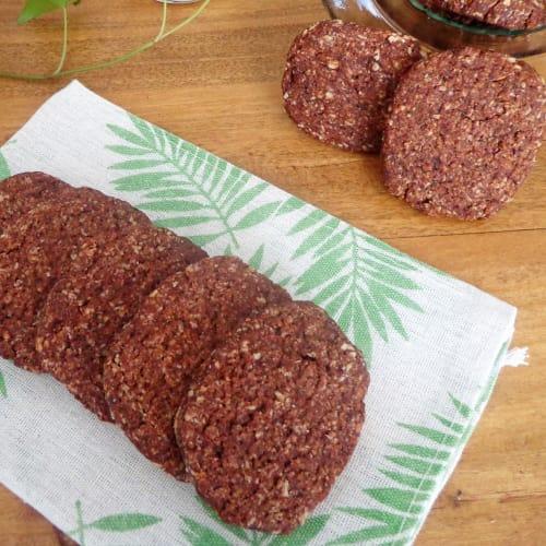 Biscotti ai fiocchi d'avena con cacao, senza uova e burro