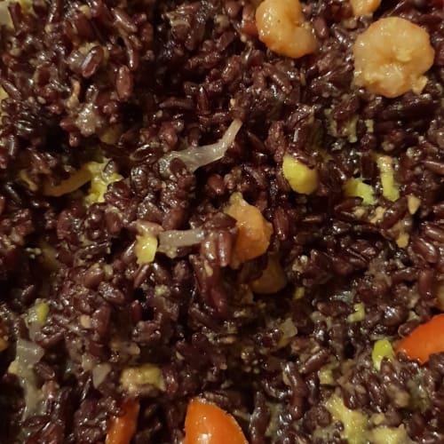 Camarones de venado de arroz y aguacate