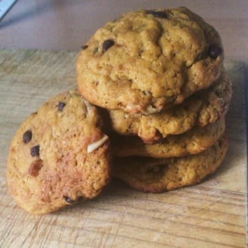 Cookies alla zucca con cioccolato noci e cocco