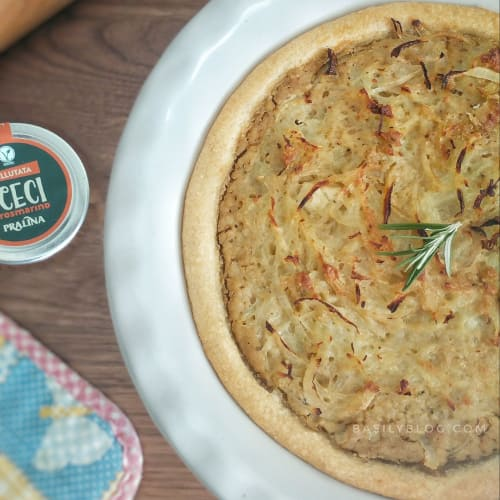 Savory tart with chickpea velouté with rosemary, potatoes and onions