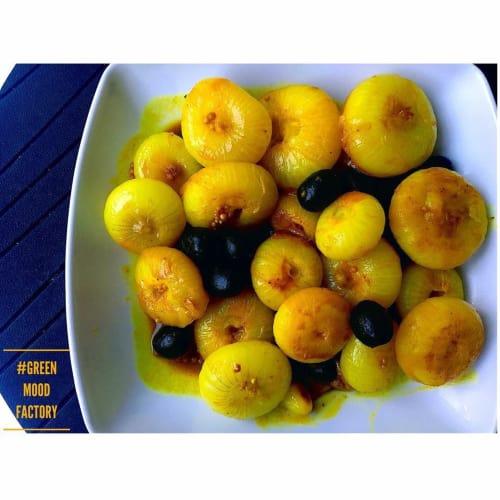 Cipolline zafferano e olive nere