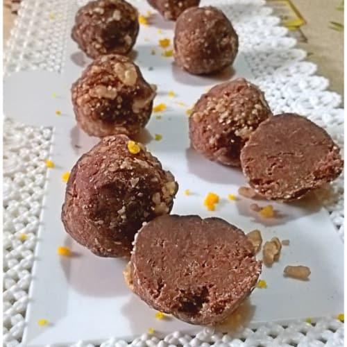 Tartufi di pandoro al cioccolato e arancia