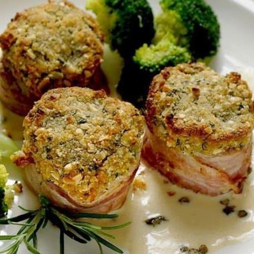 Pork tenderloin with hazelnuts