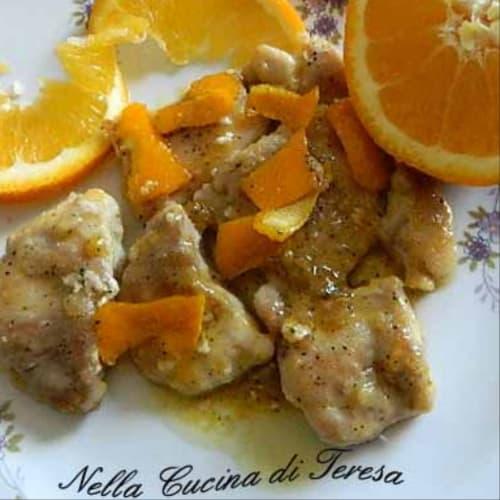 Trozos de pollo con naranja
