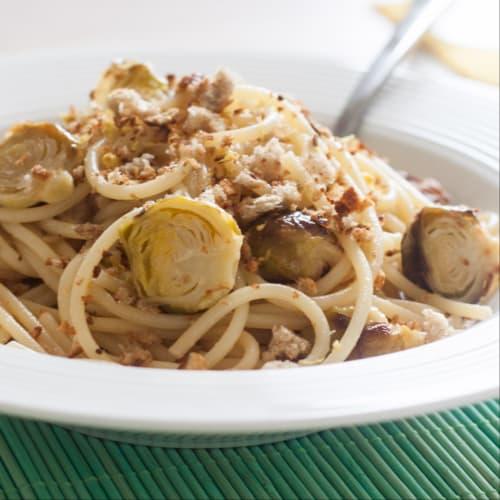 Spaghetti al limone con cavoletti.
