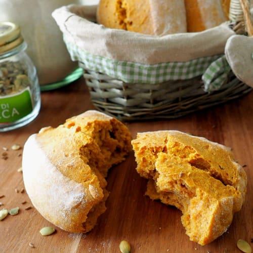 Panini integrali di zucca e carote