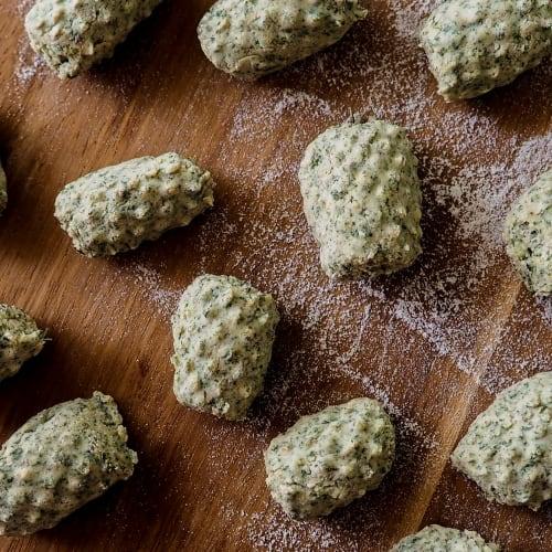 Ñoquis con ortiga en polvo, sin patatas y sin gluten
