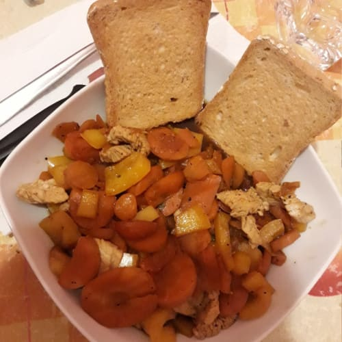 Pechuga De Pavo Con Pimientos Y Zanahorias