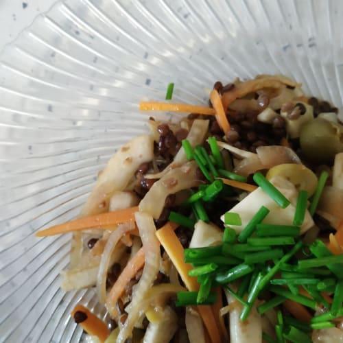 Warm salad of black lentils