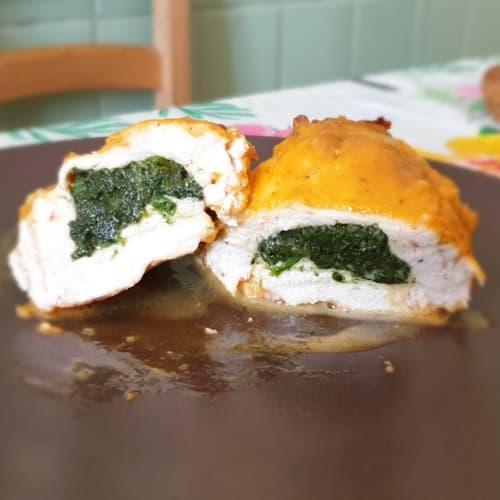 Petto di pollo ripieno agli spinaci ricoperto con sottiletta
