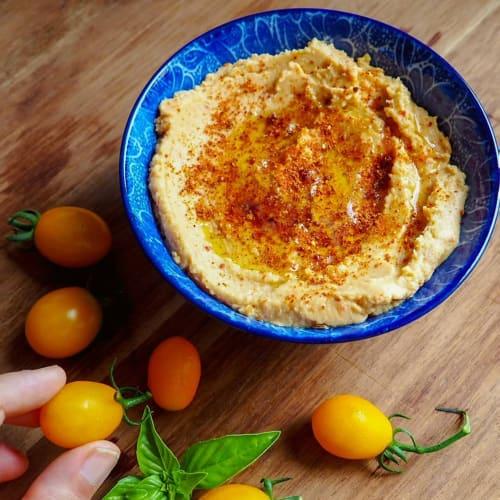 Hummus of dried tomatoes