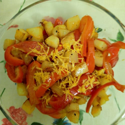 Potatoes and peppers with lemon