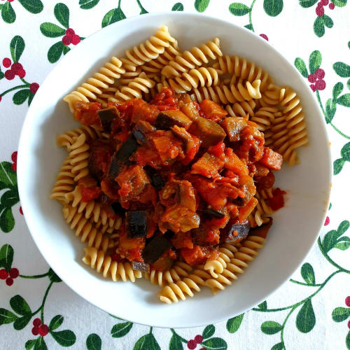 Pasta with eggplant and tomato in my own way