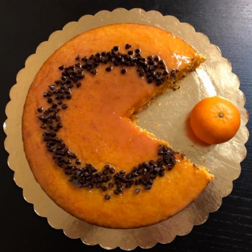 Pastel de zanahoria glaseado con naranja