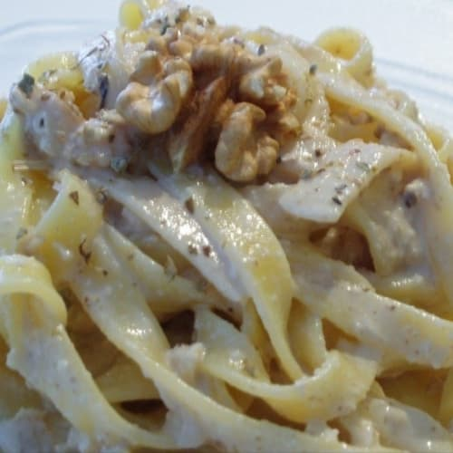 Tagliatelle with walnut sauce
