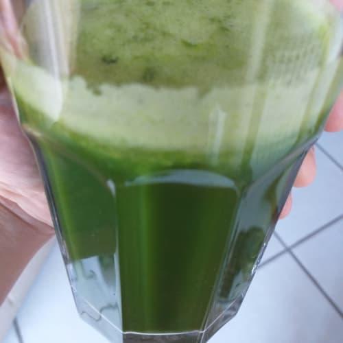 Jugo de desintoxicación verde