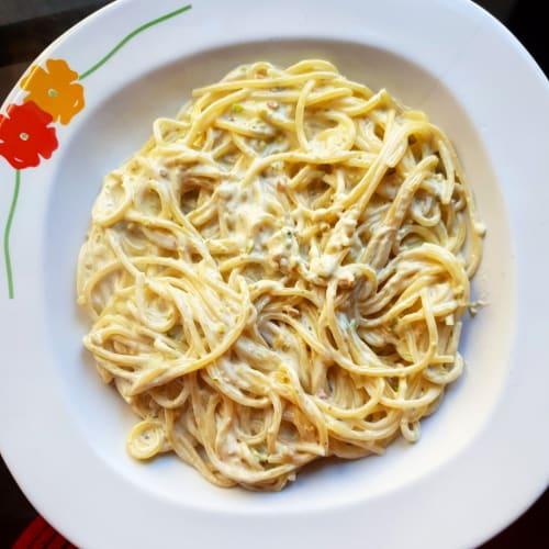 Pasta con crema Philadelphia y pistachos