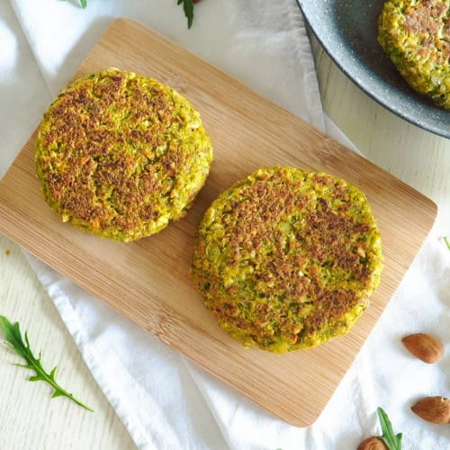 Broccoli and almond burger