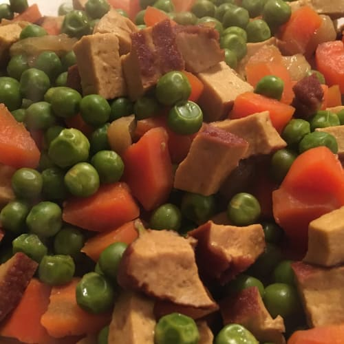 Tasty stew with smoked tofu