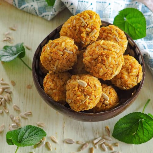 Bolas de arroz integral con semillas de girasol y curry